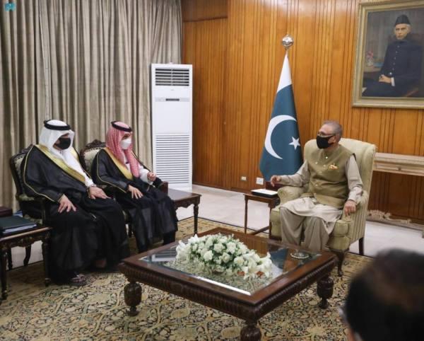 رئيس باكستان يشيد بإجراءات المملكة لسلامة الحجاج