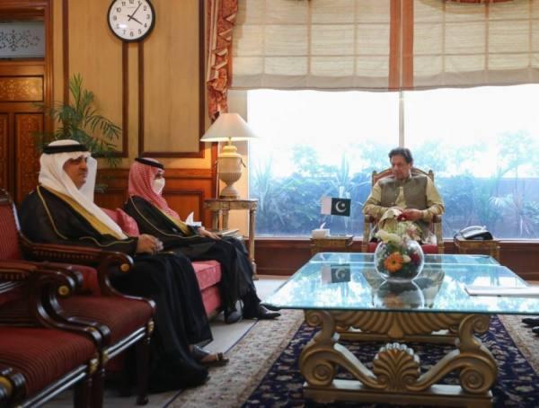 المملكة وباكستان تبحثان تعزيز الشراكة واستكشاف فرص الاستثمار