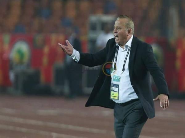 ماذا قال مدرب مصر للاعبيه قبل تسجيل هدف الاطمئنان في أستراليا