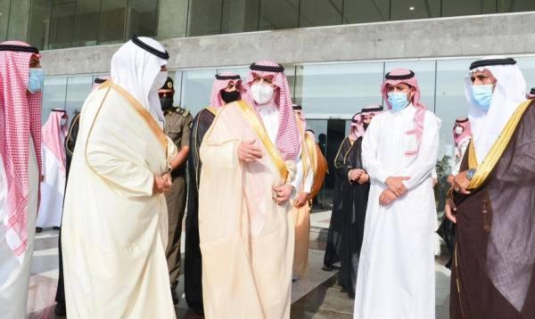 أمير تبوك يطلع على  عدداً من المشاريع التنموية بمحافظة أملج