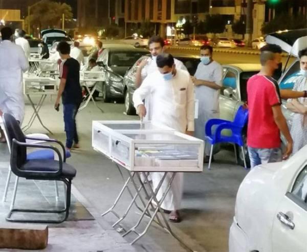 ضبط ورشة مخالفة لتصنيع الأثاث وإزالة مباسط الجوالات بعزيزية مكة