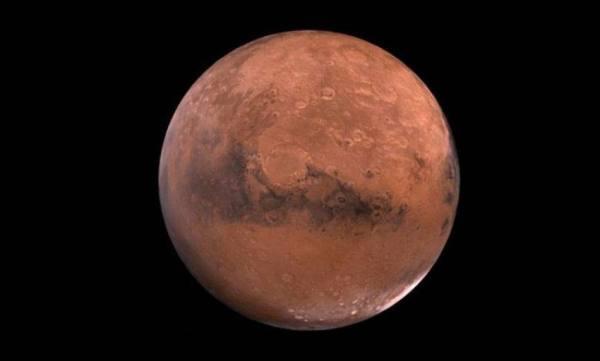 فلكية جدة : المريخ يقترن بنجم قلب الأسد .. اليوم