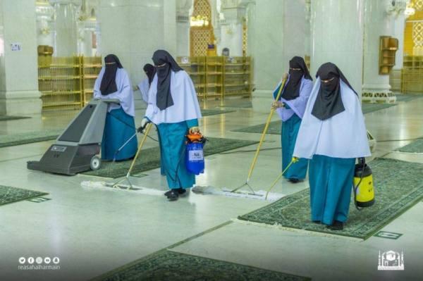 (453) عاملة لخدمة قاصدات بيت الله الحرام