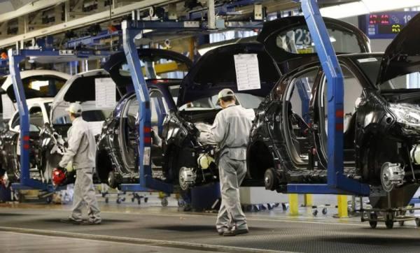 صناعة السيارات في خطر.. نقص حاد في الرقائق