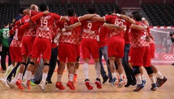 مفاجأة.. اليابان تهدي يد البحرين تأهلا تاريخيا