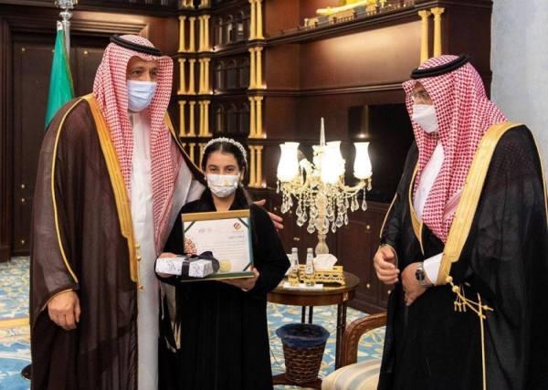 أمير الباحة يستقبل مدير تعليم المنطقة