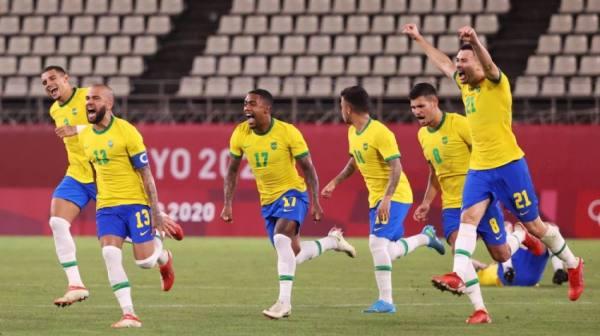 البرازيل وإسبانيا في نهائي القدم