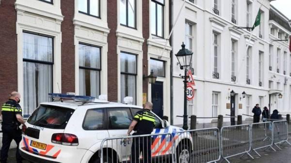 التحقيق في حقيبة مشبوهة أمام السفارة السعودية بهولندا