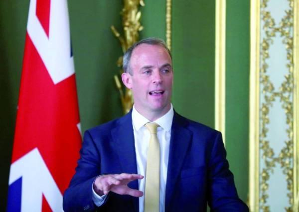 بريطانيا تهدد إيران بـ«رد قاس» وإسرائيل على الخط