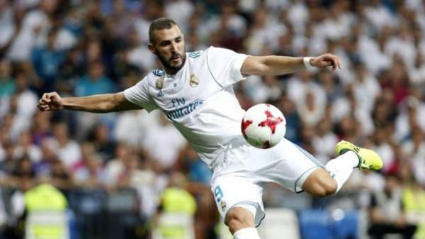 ريال مدريد يجدد عقد مهاجمه الفرنسي
