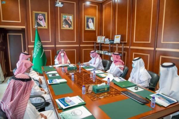 الأمير فيصل بن فهد يستقبل رئيس جامعة حائل