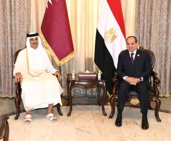 في بغداد..الرئيس المصري يلتقي أمير قطر ويبحثان المستجدات