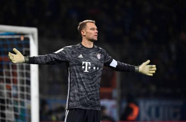 نوير يحقق رقم قياسي لنظافة شباكه في الدوري الألماني