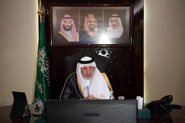الفيصل يطلع على أعمال لجنة المسؤولية الاجتماعية