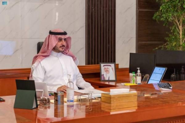 أمير الجوف يبحث مستجدات 109 مشروعات خدمية