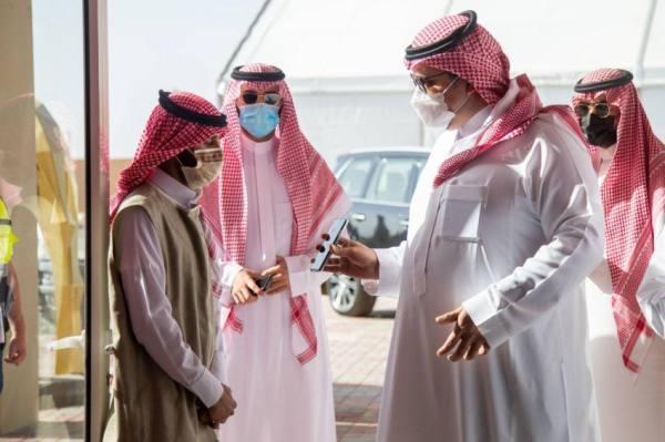 فهد بن جلوي يتفق ميدان الطائف للهجن.. و