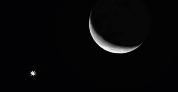 فلكية جدة : هلال القمر يقترن بالتوأمين قبل شروق الجمعة