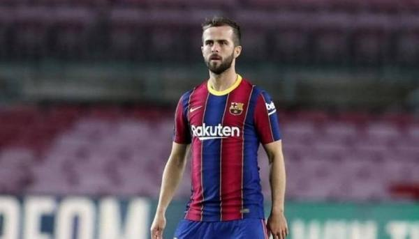 برشلونة يعلن رحيل بيانيتش