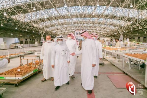 500 طن مبيعات تمور مهرجان سكرية المذنب الحمراء