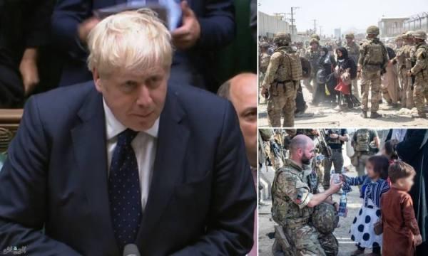 جونسون يقرّ بعدم إجلاء أكثر من 300 أفغاني مؤهلين للجوء في بريطانيا