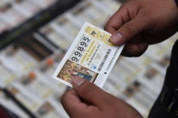 بائع يسرق من زبونة بطاقة يانصيب بقيمة 500 ألف يورو
