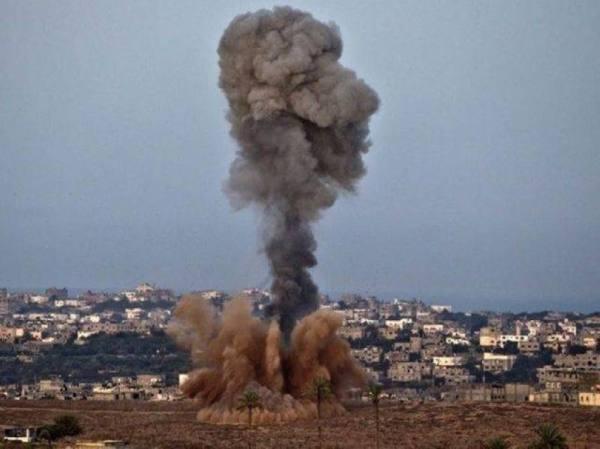 طائرات الاحتلال تستهدف موقّعين غرب خان يونس