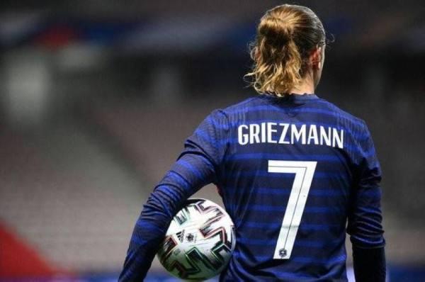 غريزمان يعيد المنتخب الفرنسي إلى الانتصارات