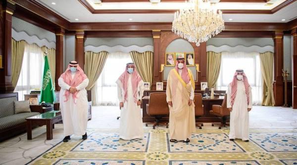 الأمير فيصل بن سلمان يعتمد جائزة التميّز للشباب