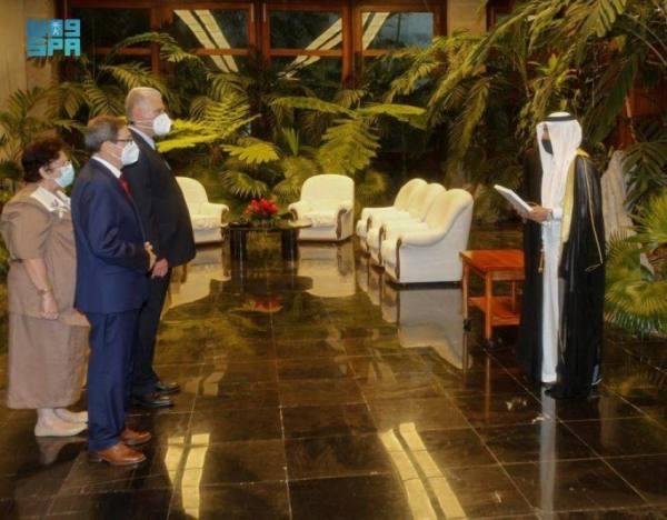 السفير الحربي يقدّم أوراق اعتماده لرئيس كوبا
