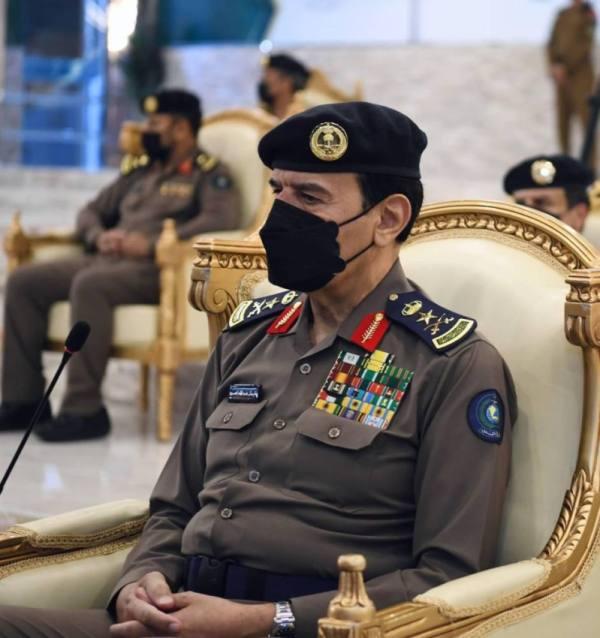 الدفاع المدني يحتفل بتخريج الدورة التأهيلية للضباط