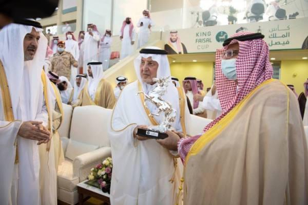 أمير مكة يتوج الجواد تلال الخالدية الفائز بـ