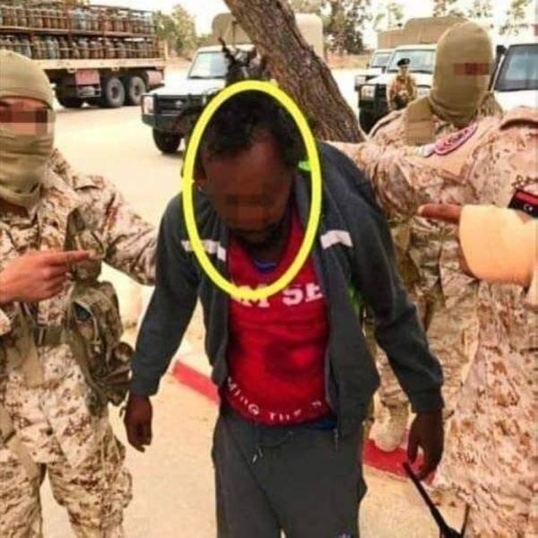 ليبيا: ضبط صومالي يدير شبكة للاتجار بالبشر