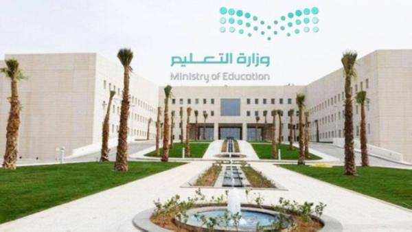 التعليم: بدء احتساب الغياب للطلاب غير المحصنين بالجرعتين