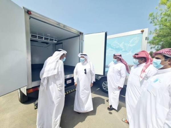 بيئة مكة تسلم شاحنات تبريد للجمعية التعاونية لصيادي الأسماك
