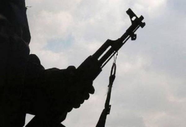 لبنان..مسلحون يقتلون شخصاً داخل منزله ويهربون في وضح النهار
