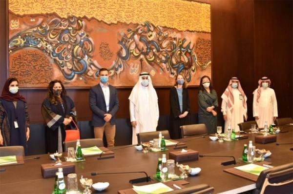 مركز الملك عبد العزيز للحوار الوطني يستقبل القائم بأعمال السفارة البريطانية