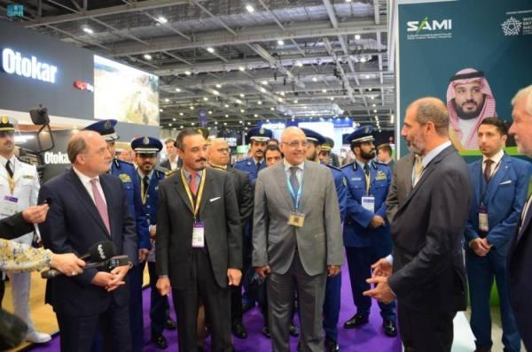 خالد بن بندر يزور الجناح السعودي في معرض معدات الدفاع والأمن الدولي DSEI في لندن
