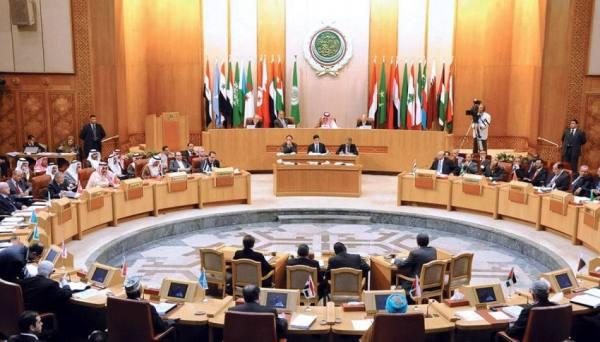 البرلمان العربي: استهداف ميليشيا الحوثي مطار أبها جريمة حرب