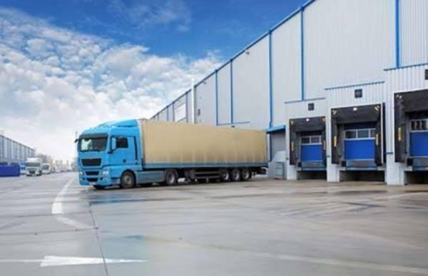 إلزام وسطاء الشحن البري بـ«وثيقة النقل الإلكترونية»