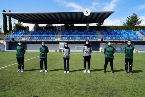 مدربات كرة القدم السعوديات يختتمن برنامج معايشة في إسبانيا
