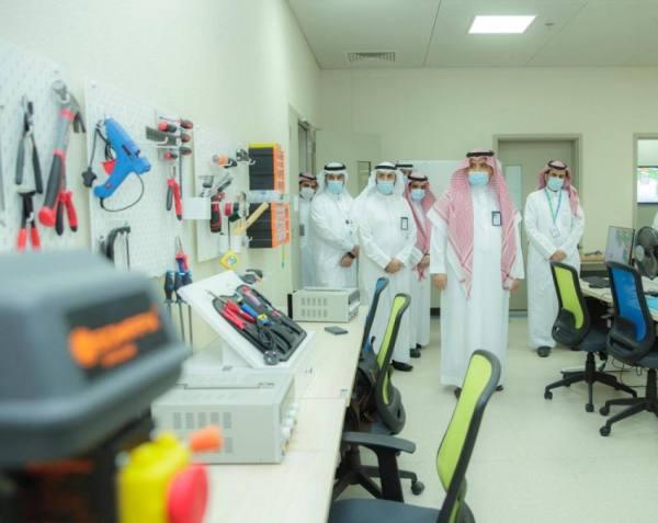 جامعة القصيم تفتتح معمل مركز الابتكار وحاضنة بلس