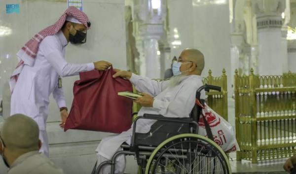 تخصيص مواقع وخدمات متعددة لذوي الإعاقة بالمسجد الحرام