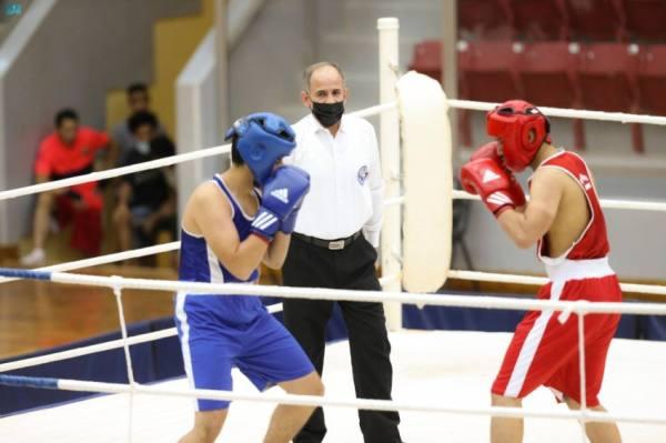 55 ملاكماً في انطلاقة بطولة المملكة للملاكمة بالقصيم