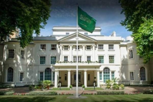 سفارة المملكة لدى بريطانيا تدعو المواطنين إلى الالتزام بإجراءات السفر الجديدة