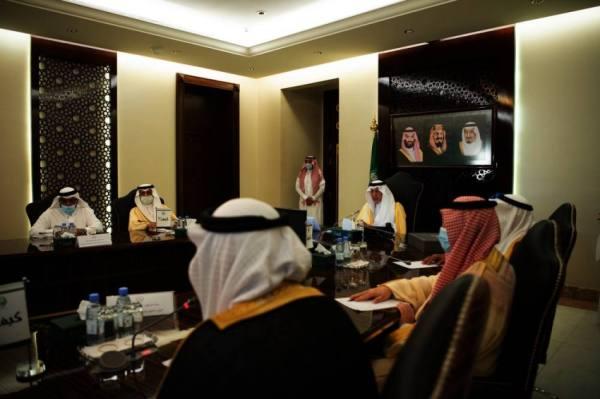 الفيصل يستعرض خطط استثمار 14 مليار ريال لـ