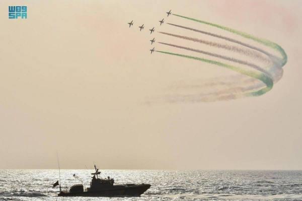 عروض جوية تزيّن سماء جدة والطائف بمناسبة اليوم الوطني الـ 91