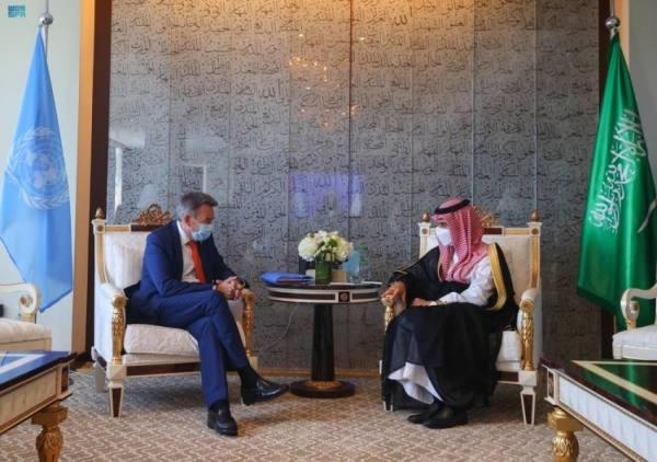 ابن فرحان يستعرض مع رئيس اللجنة الدولية للصليب الأحمر الجهود الإغاثية والإنسانية