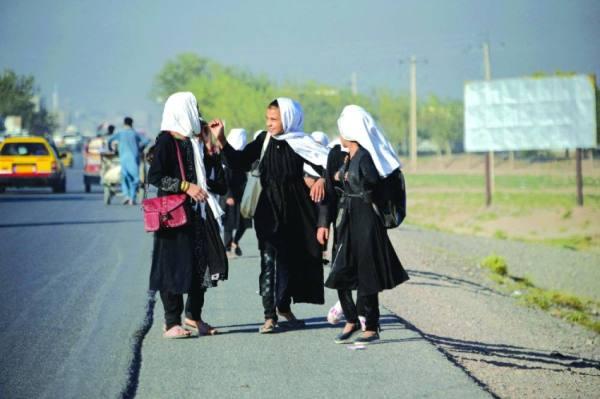 طالبان تجهز لعودة الطالبات.. وبريطانيا تكشف أسماء المترجمين