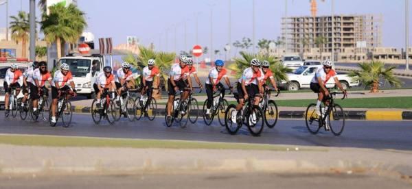 17 دراجا يقومون برحلة من عنيزة إلى الدرعية احتفاء باليوم الوطني