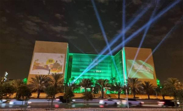 مركز الملك عبدالعزيز للحوار يمكن زوار واجهة الرياض لقياس الحوار لديهم